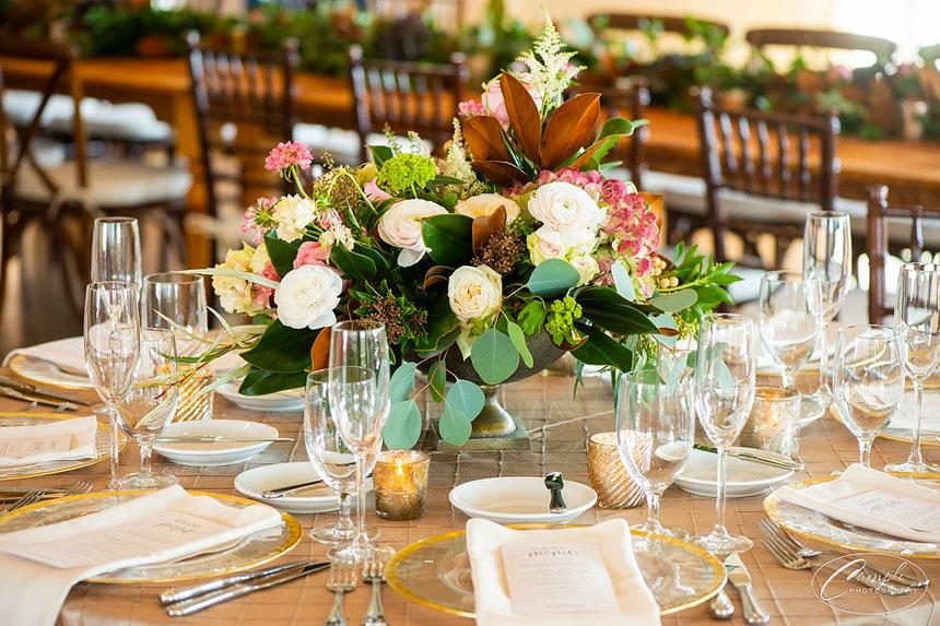 Elegant décor, floral and arrangements