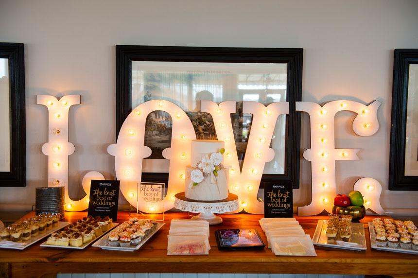 Couples Enjoy Inspiring Bridal Show at Radnor Hunt